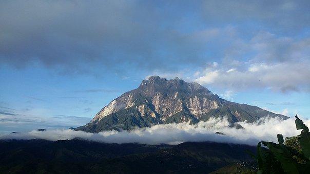 Mountain peaks at Kota Kinabalu, Malaysia