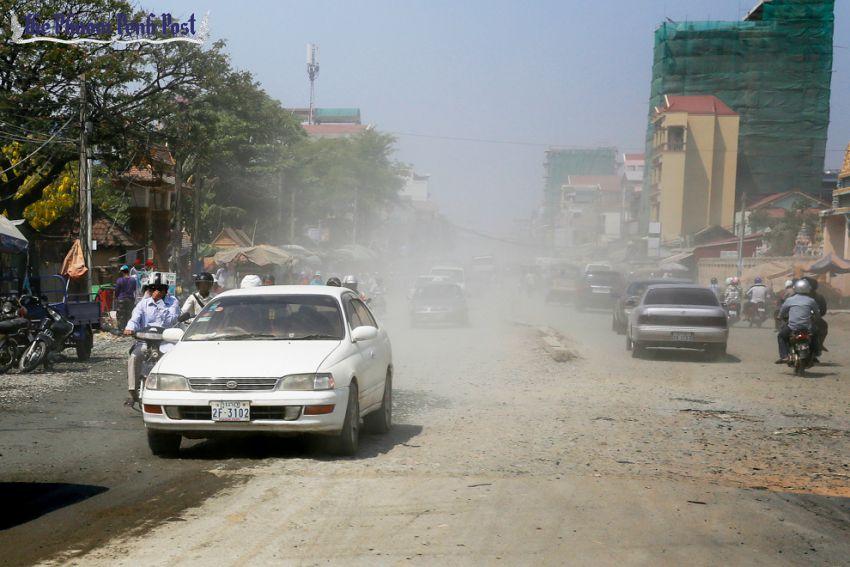 Dusty streets of Phnom Penh