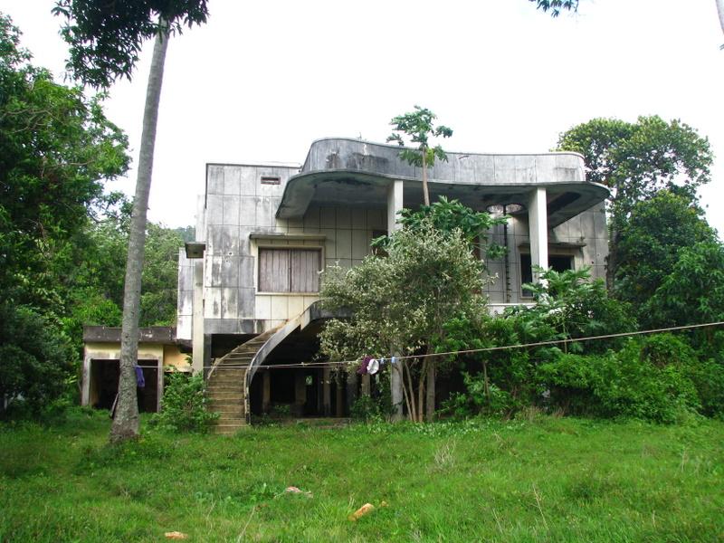 Abandoned Kep villa