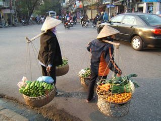Fruit is one of the 9 must try Vietnamese dishes