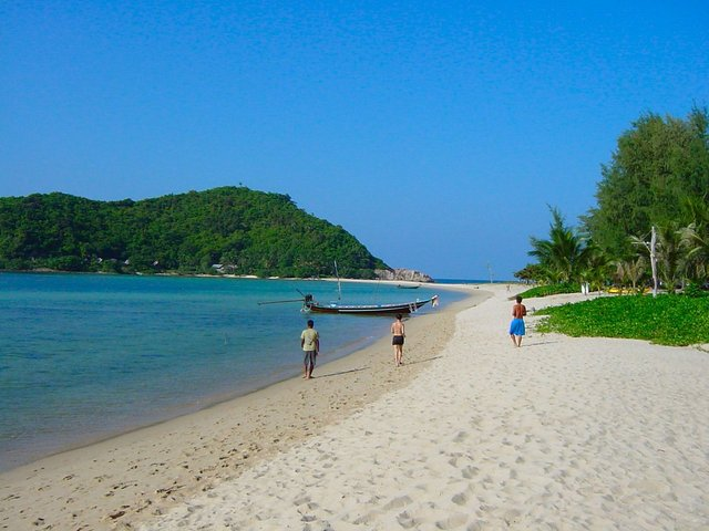Ko Pha Ngan is one of 11 beautiful Islands in Thailand