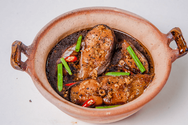 Cá kho tộ is one of 9 vietnam foods