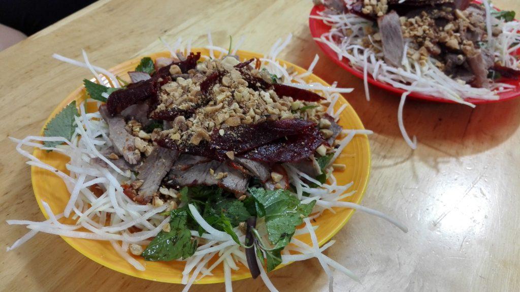 Gỏi xoài is one of 9 vietnam foods