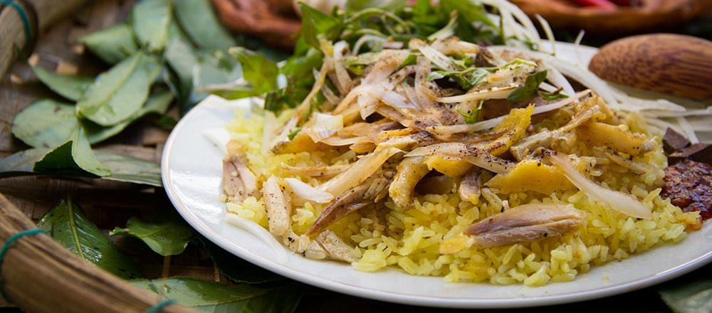 Cơm gà tam kỳ is one of 9 vietnam foods (that tourists don;t know about)