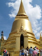 Golden Chedi at Wat Phra Kaew