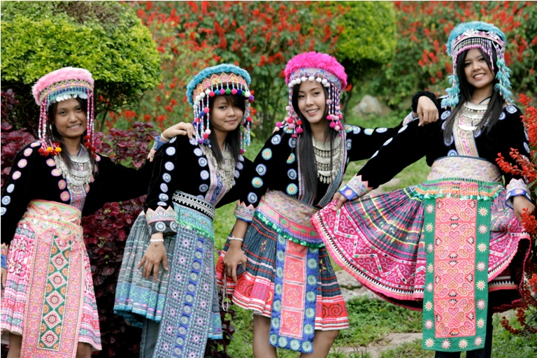 Hilltribe folklore girls - Thailand