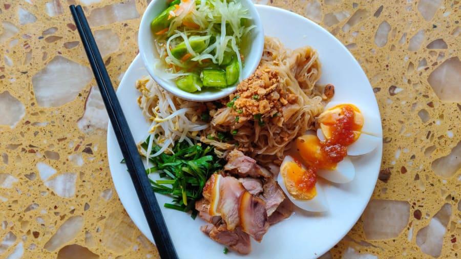 Mee Kola - 5 Cambodian foods