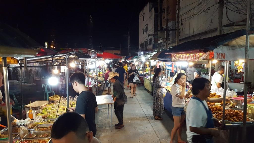 JJ Night market in Kanchanaburi